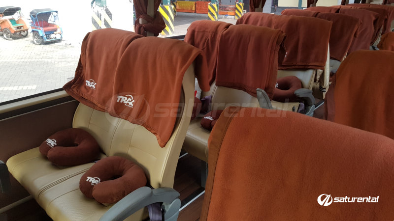 saturental - foto bus pariwisata trac interior medium bus 29 35 seats b