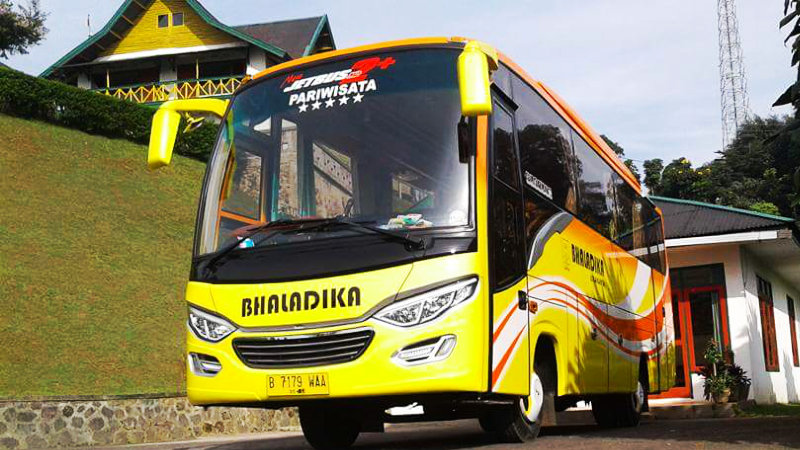 saturental - foto bus pariwisata bhaladika medium 31 seats f