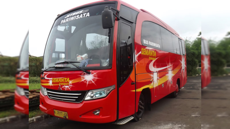 saturental - foto bus pariwisata semanta transport medium 35 seats a