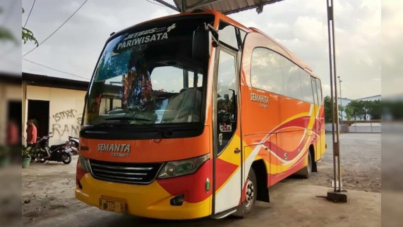 saturental - foto bus pariwisata semanta transport medium 35 seats b