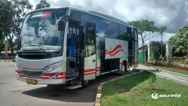 saturental - foto bus pariwisata white horse medium bus 27 31 seats d