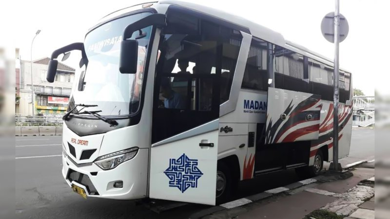saturental - foto medium bus pariwisata real dream 29s 31 seats c