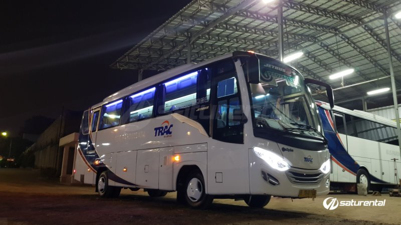 foto bus pariwisata trac medium bus 31 seats a
