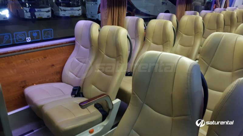 foto bus pariwisata trac medium bus 31 seats cb