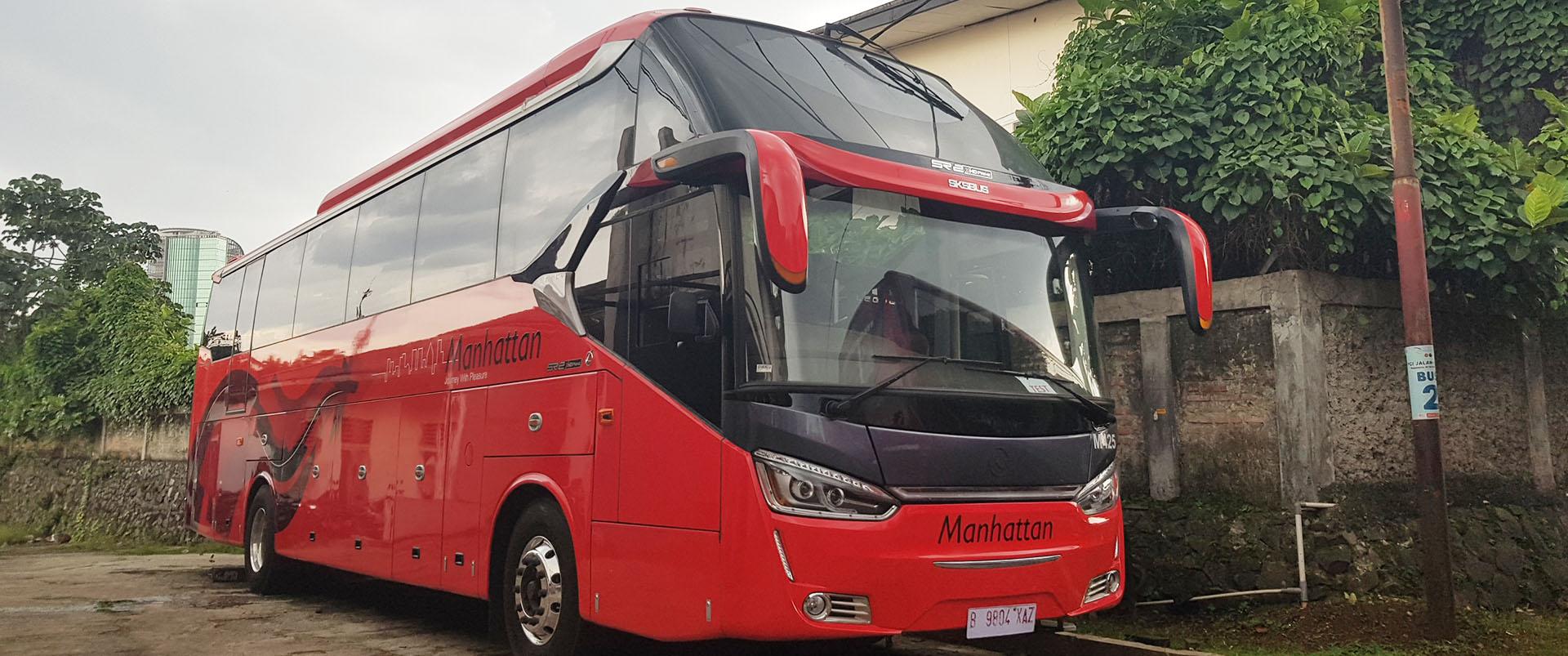 Sewa Bus Pariwisata Manhattan Jakarta Tahun 8 - Saturental