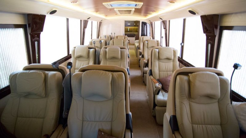 saturental - sewa bus pariwisata luxury bigbird premium interior 12 seats a