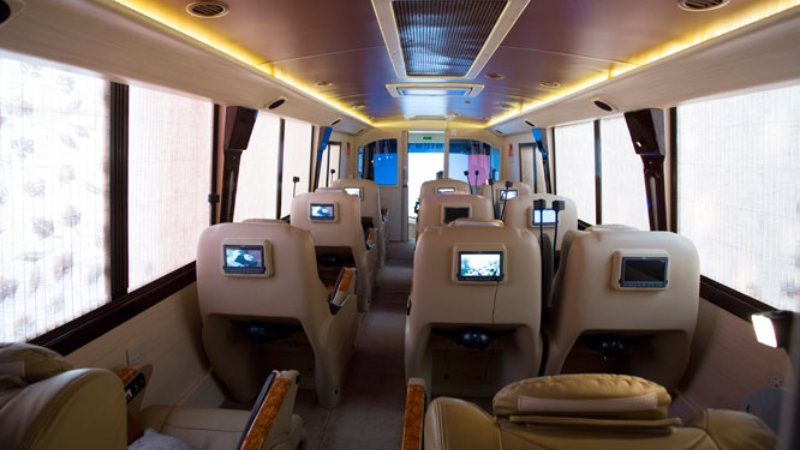 saturental - sewa bus pariwisata luxury bigbird premium interior 12 seats b
