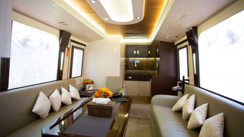 saturental - sewa bus pariwisata luxury bigbird premium interior 12 seats c