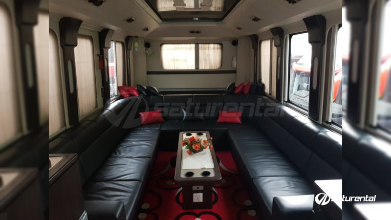 saturental - sewa bus pariwisata luxury manhattan interior 12 seats d