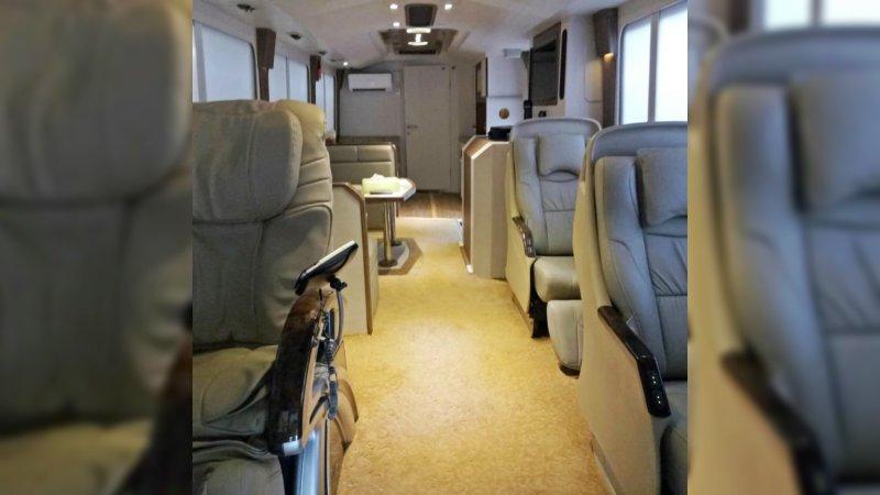 saturental - sewa bus pariwisata luxury royal java interior 20 seats a