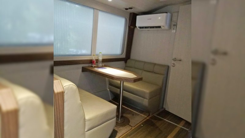 saturental - sewa bus pariwisata luxury royal java interior 20 seats d