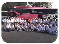 saturental - menyediakan layanan sewa bus antar jemput karyawan atau anak sekolah a